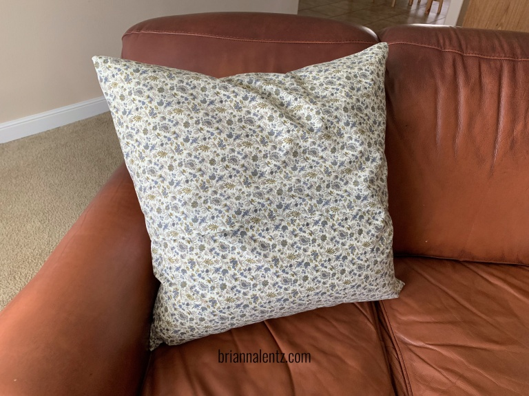 IKEA 26 inch pillow cover img3